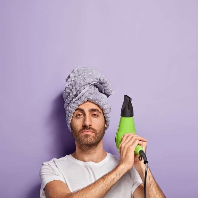 secando a barba