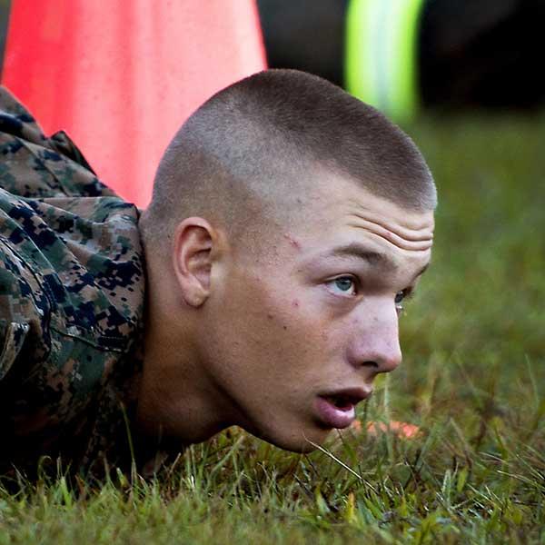 undercut militar