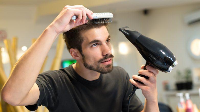 como pentear o cabelo com secador